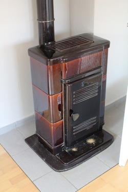 Wood stove for heating